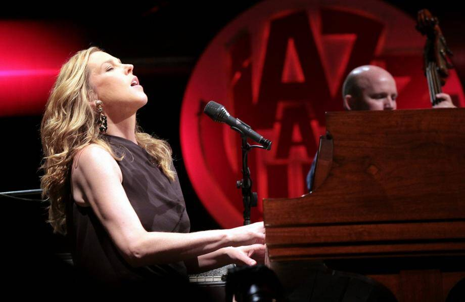Diana Krall assurera bien son concert à la Pinède Gould dans le cadre de Jazz à Juan ce soir.