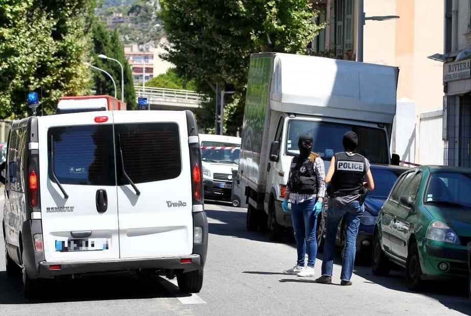 Perquisition chez le chauffeur présumé du camion qui a tué plus de 80 personnes.