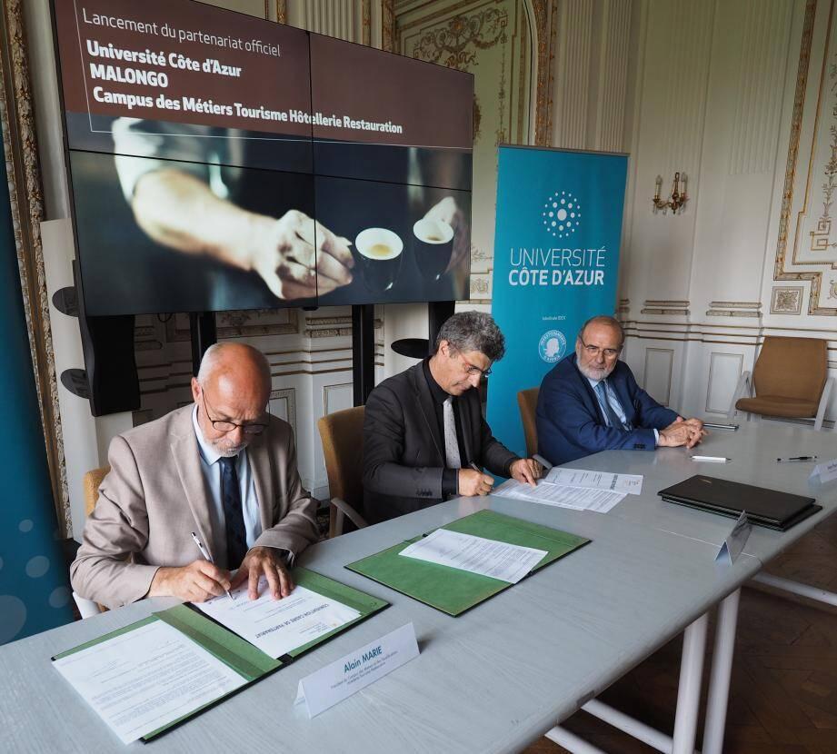 La signature du partenariat officiel entre l'UCA, Malongo et Campus des Métiers Tourisme Hôtellerie Restauration.