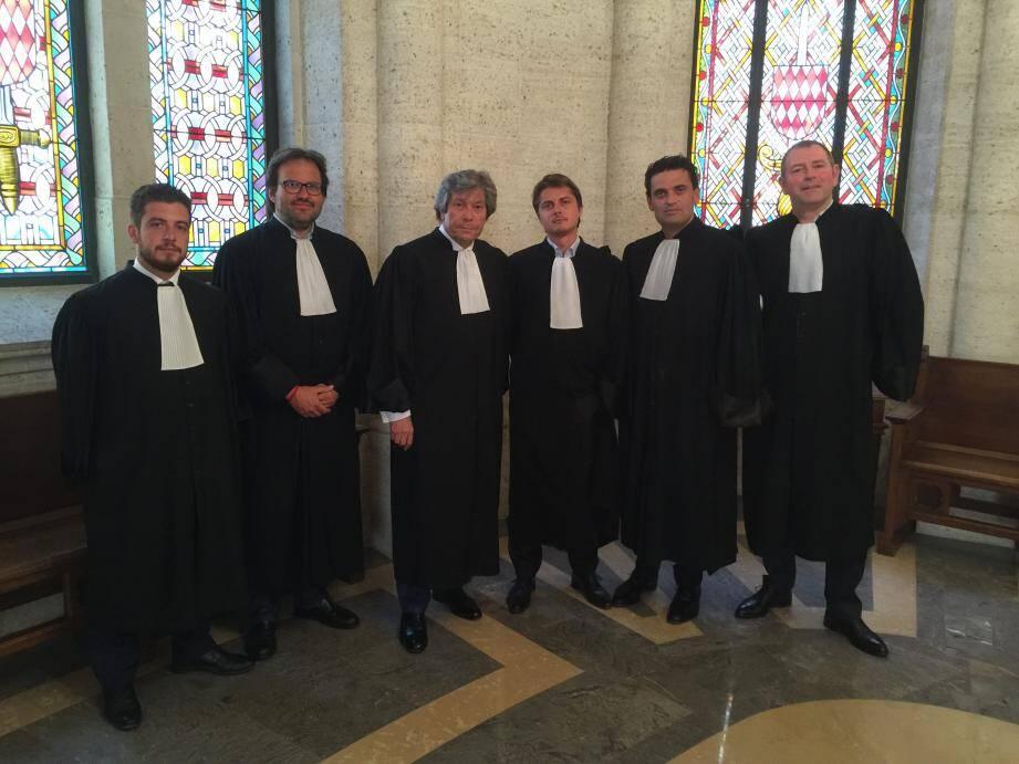 La forte lignée des avocats défenseurs.De gauche à droite : Maîtres Arnaud Cheynut, Julien Darras et Gérard Baudoux (du Barreau de Nice), Christophe Ballerio, Thomas Giaccardi et Jean-Charles Gardetto.