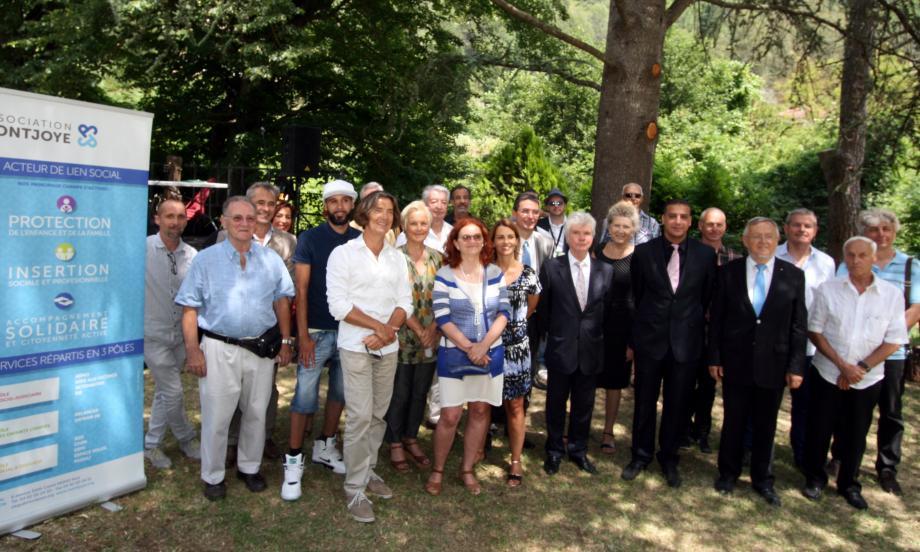 La grande famille des partenaires du foyer d'accueil Montjoye réunie pour les 10 ans du centre de L'Escarène.