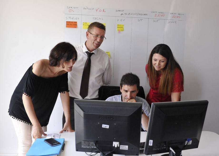 Avencod, la start-up créée par Laurent Delannoy et Laurence Vanbergue emploie des travailleurs handicapés dont des autistes à haut potentiel.