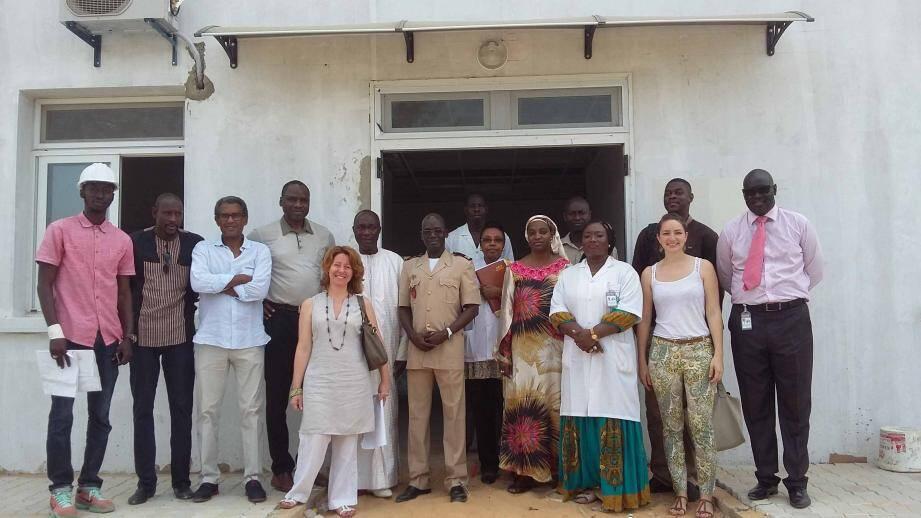 Visite du chantier de l'unité pédiatrique drépanocytose financée par le Gouvernement princier à Dakar.