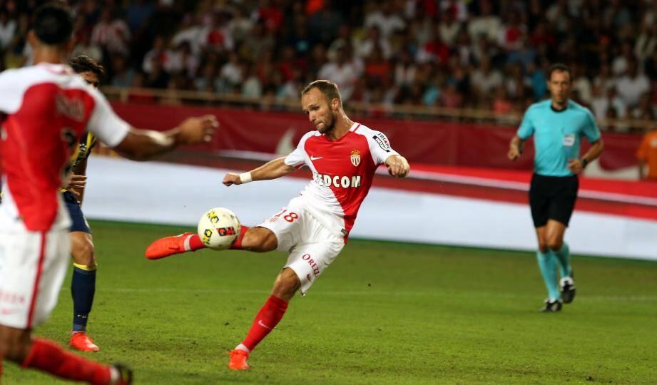 66e minute : la deuxième frappe imparable de Valère Germain replace Monaco sur les rails de la qualification. Le Louis-II peut jubiler.