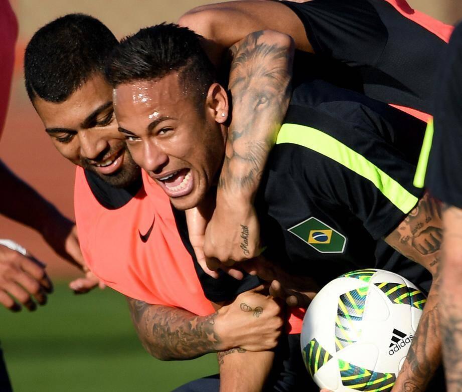 Gabriel Jesus et Neymar entrent en piste aujourd'hui.