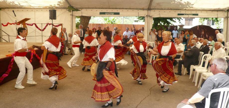 Les danses folkloriques enchanteresses de «Li Arendula».