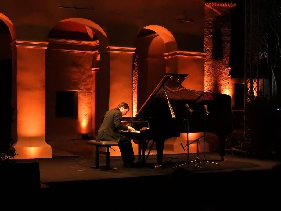 Le pianiste italien Francesco Piemontesi a enchanté le public.