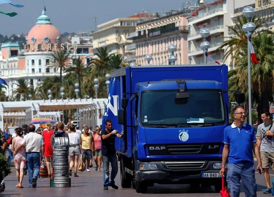 Si les Niçois s'indignent de la présence de camions à toute heure en ville, de nombreuses dérogations à la réglementation en vigueur sont, en réalité, accordées.