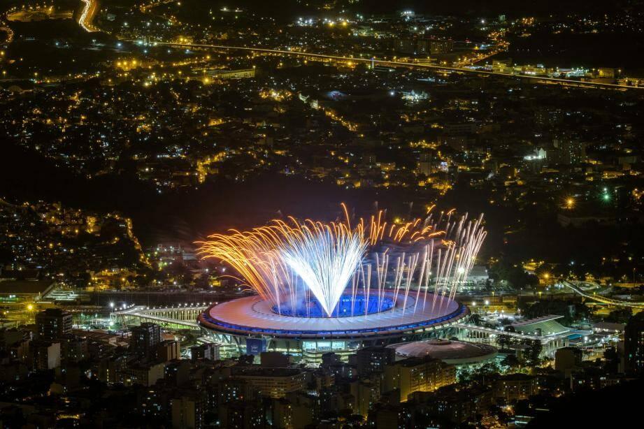 Des feux d'artifices ont embrasé le Maracana, lors de la répétition de la cérémonie d'ouverture.