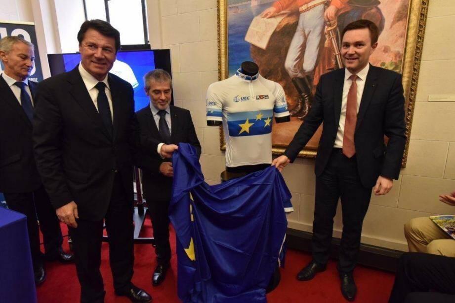 En mars dernier, Christian Estrosi et David Lappartient dévoilaient le maillot du futur champion d'Europe.