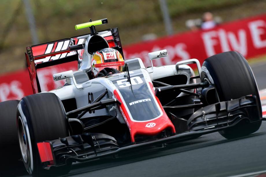 L'apprentissage accéléré de Charles Leclerc en F1 vient de débuter pied au plancher, notamment en enchaînant trois séances d'essais libres du vendredi matin dans le baquet de la Haas VF-16 d'Esteban Guttierez.