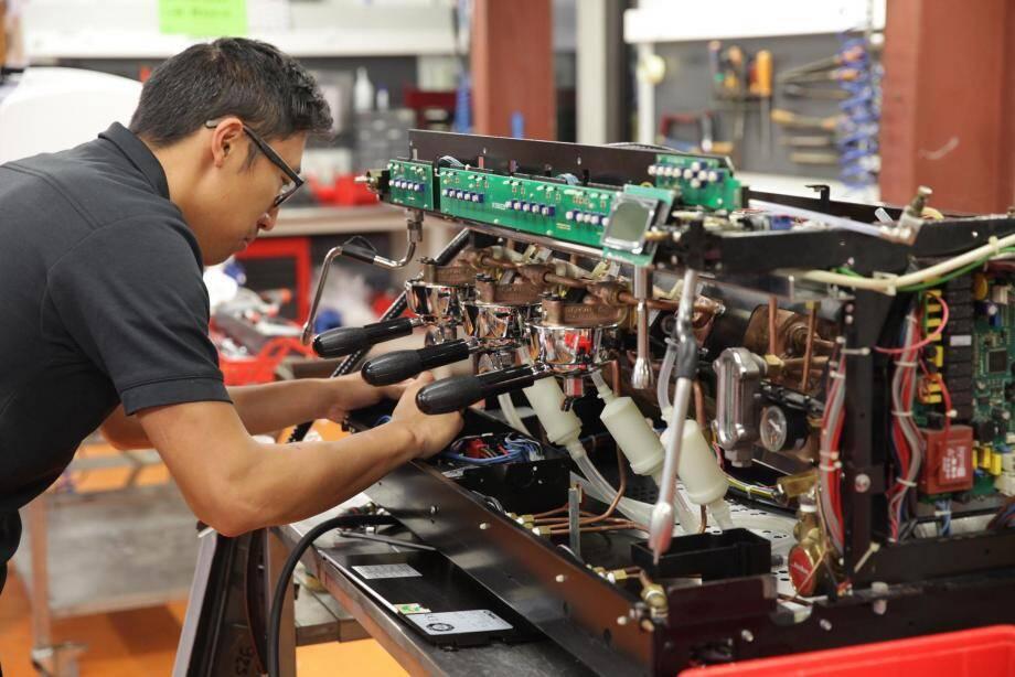 La réparation du matériel des particuliers et professionnels est installée à La Gaude.