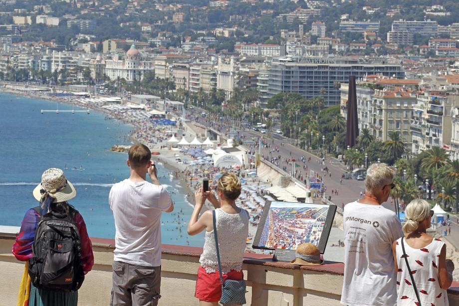 Au mois de juillet, Nice ne figurait plus dans le top 10 des destinations françaises du site de location d'appartements entre particuliers Airbnb.(photos Cyril Dodergny)