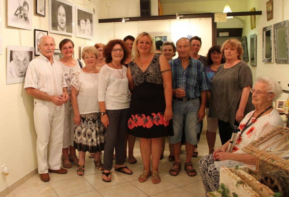 Après l'exposition Des couleurs pour le dire de Jacky Herbecq Saramito, place au black and white avec HB  de Martyne Nystedt Stella.