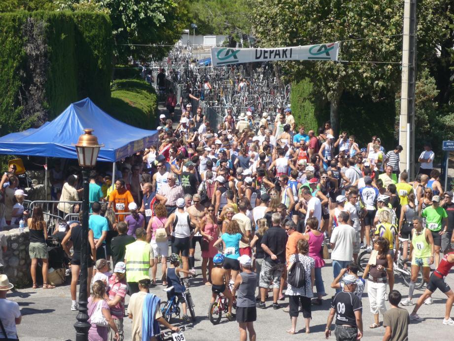 Le 3e triathlon se déroulera samedi.