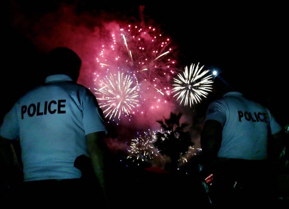 Le plus virulent des deux jeunes, qui a insulté des policiers avant le feu d'artifice de lundi soir, avait déjà 80 infractions à son actif.