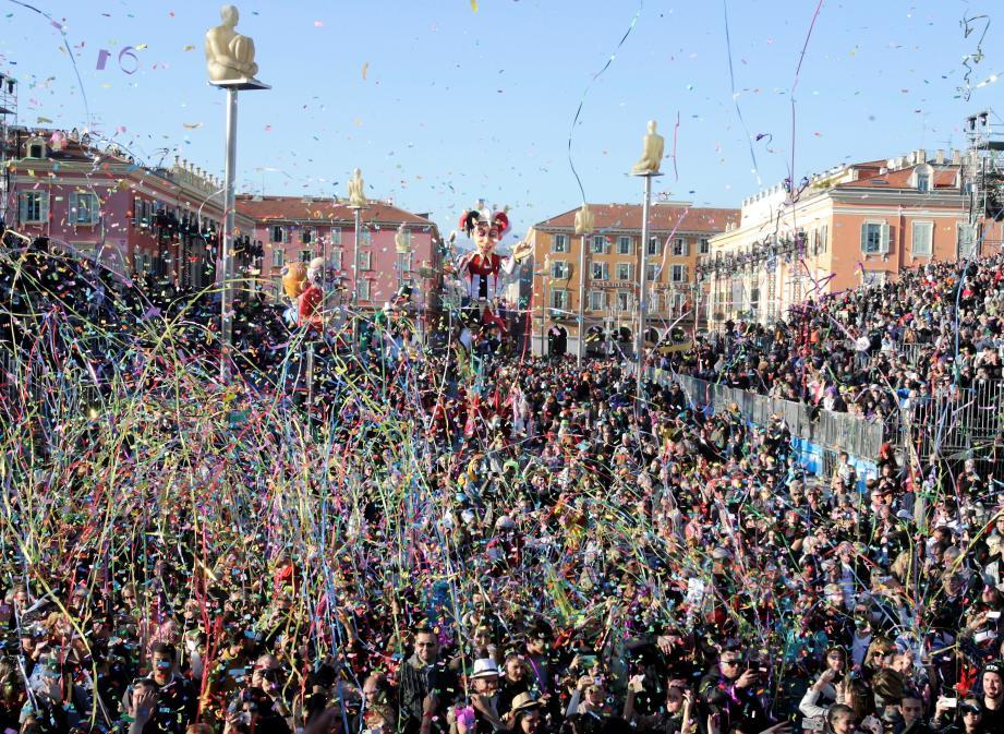 Carnaval : si l'accès à la zone payante de Masséna est possible à contrôler, il n'en va pas de même de la zone gratuite, à revoir...