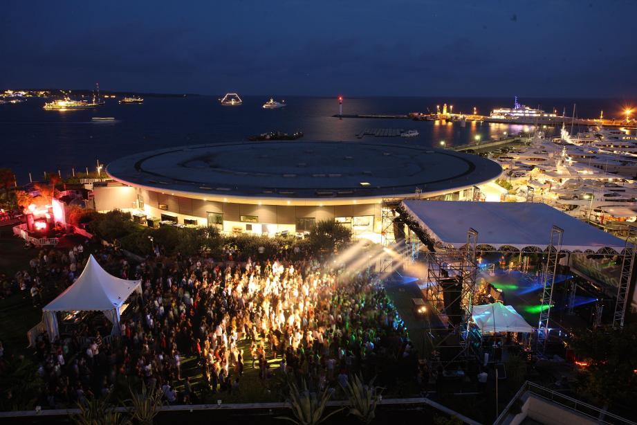 Sur la terrasse du Palais des Festivals, la Pantiero va faire vibrer les mélomanes dès ce soir et demain soir.