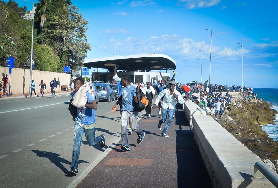 Le 5 août dernier, plus de deux cents migrants avaient forcé le passage à la frontière Saint- Ludovic de Menton.
