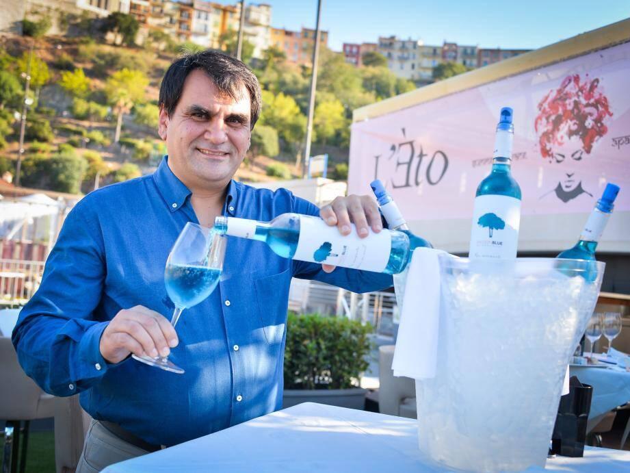 Ancien de La Marée, Gérard Sukiasyan a donné l'impulsion pour la création de cet endroit où l'on peut déguster, en exclusivité, du vin bleu.