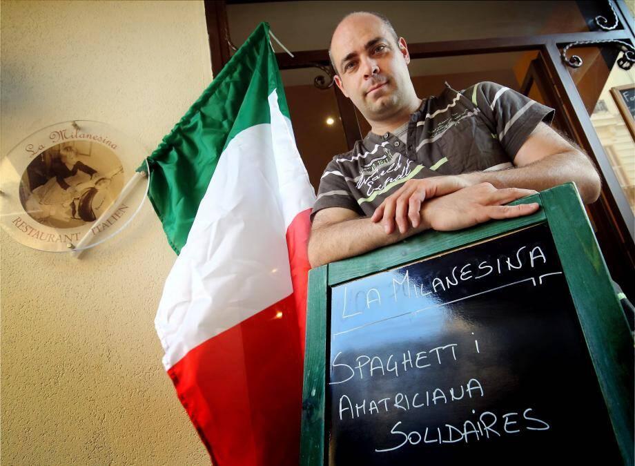 « C'est un petit geste. Une goutte d'eau. J'aide comme je peux et mes clients me soutiennent dans cette démarche », explique Sergio Cotti, restaurateur de la rue Dalpozzo.