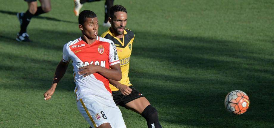 Jonathan Mexique prolonge à l'AS Monaco.