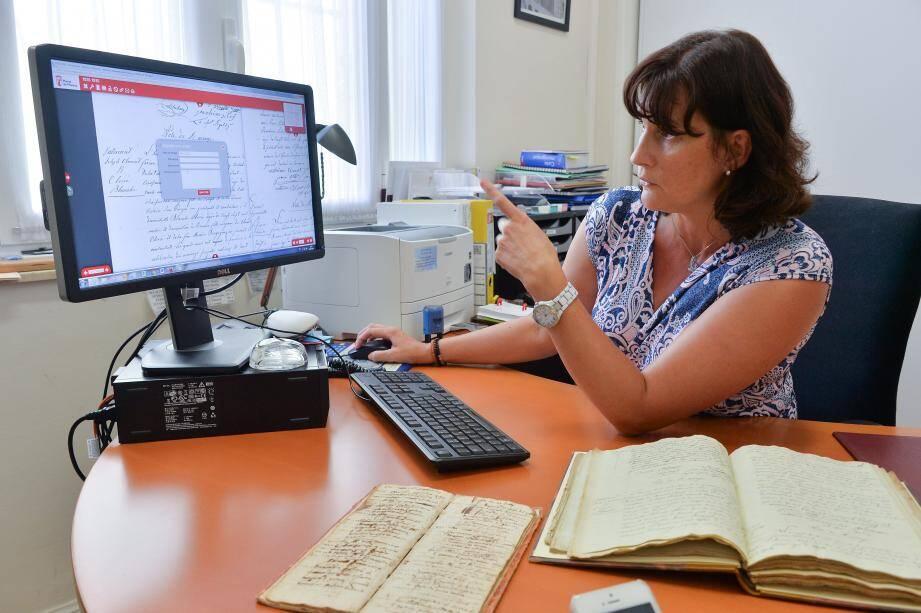 Au service de l'Etat civil - Nationalité, Nathalie Bozza veille sur les registres, la mise en ligne et la participation des internautes afin que l'offre numérique soit tous les jours un peu plus performante. Un travail de fourmi…