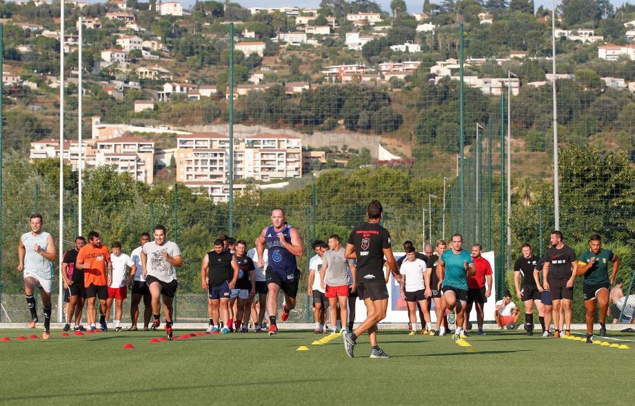 Nice le 01/08/2016 - Stade des Arboras - Rugby - Federale 2 - Entrainement du Stade Nicois - Papier : P.Person