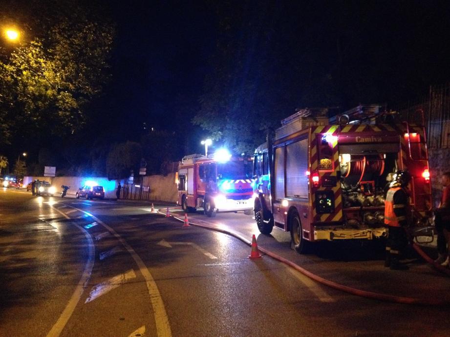 Les pompiers sur place, résidence de Croisset à Grasse.