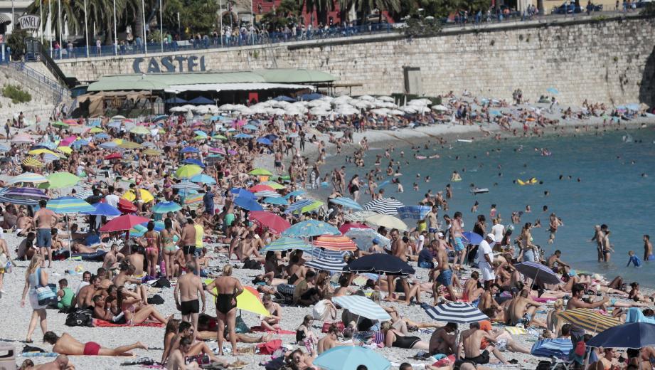 Le 15 août 2016 sur des plages de Nice.