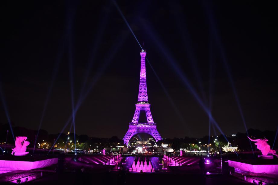 La tour Eiffel pour Octobre rose