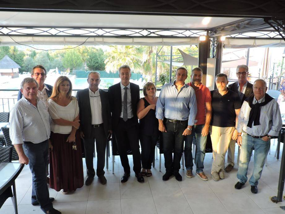 Professionnels du tourisme, élus et membres de « Force et confiance ».