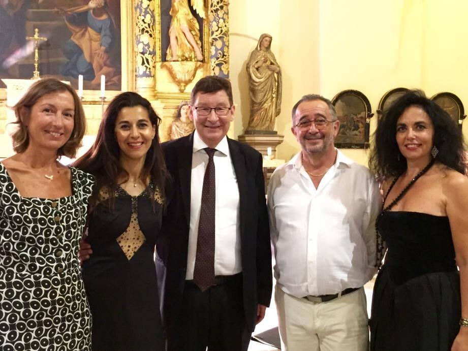 À l'issue du concert, le maire Alain Benedetto, l'adjointe au tourisme Anne Kiss et le directeur artistique Philippe Depetris ont félicité les interprètes Chantal Perraud et Patricia Fernandez.