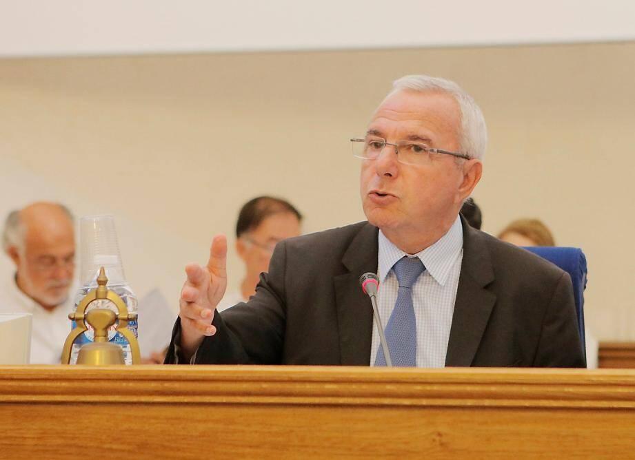 Le maire Jean Leonetti et les élus antibois ont rendez-vous aujourd'hui dès 15 h sur les bancs de l'ancienne chapelle Saint-Esprit.