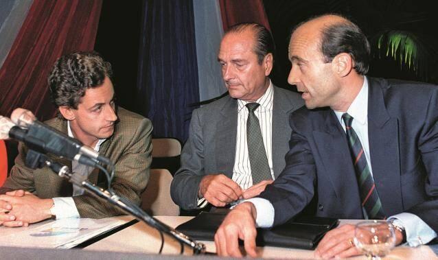 Jacques Chirac avec Nicolas Sarkozy et Alain Juppé, les deux frères ennemis de la droite. (Crédit : AFP)