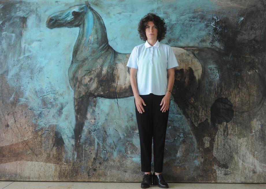 Anca Sonia expose ses grandes toiles aux Arcades à Antibes du 17 septembre au 29 octobre.