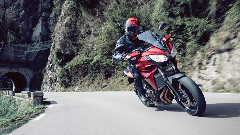 Avec ses nombreuses qualités dynamiques, sa capacité à enchaîner les kilomètres et sa bouille sympathique, la Yamaha Tracer 700 est promise au succès.