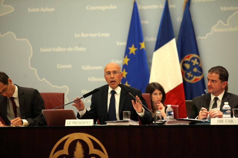 Eric Ciotti a défendu la vente des parts du Département pour désendetter celui-ci et permettre de nouveaux investissements.
