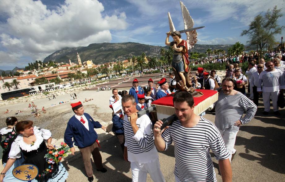 La traditionnelle procession de la Saint-Michel.