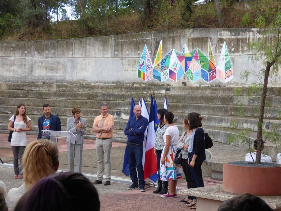La fresque a été réalisée par les élèves de 2nde hôtellerie-restauration européenne.