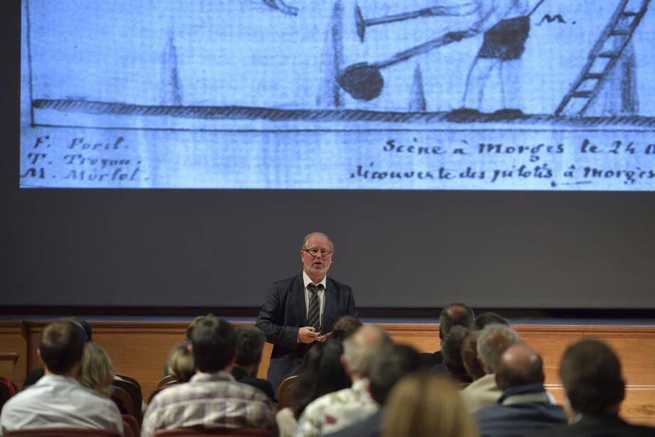Le directeur du Département des recherches archéologiques subaquatiques était l'invité d'une conférence au Musée océanographique.