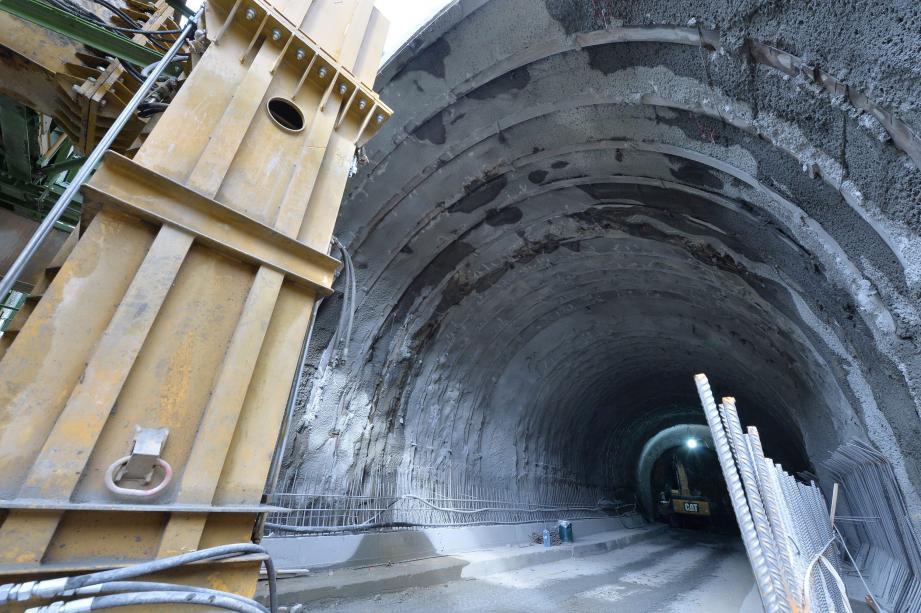 Percement du tunnel de Tende, côté italien.