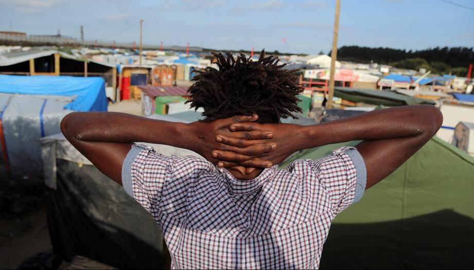 Plus de 9.100 personnes vivent actuellement dans le cap de réfugiés de Calais selon des associations.