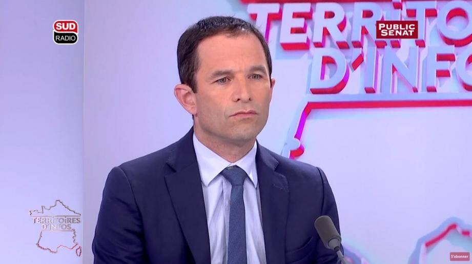 """Pour Benoît Hamon, la gauche doit se soumettre à """"un examen de conscience""""."""