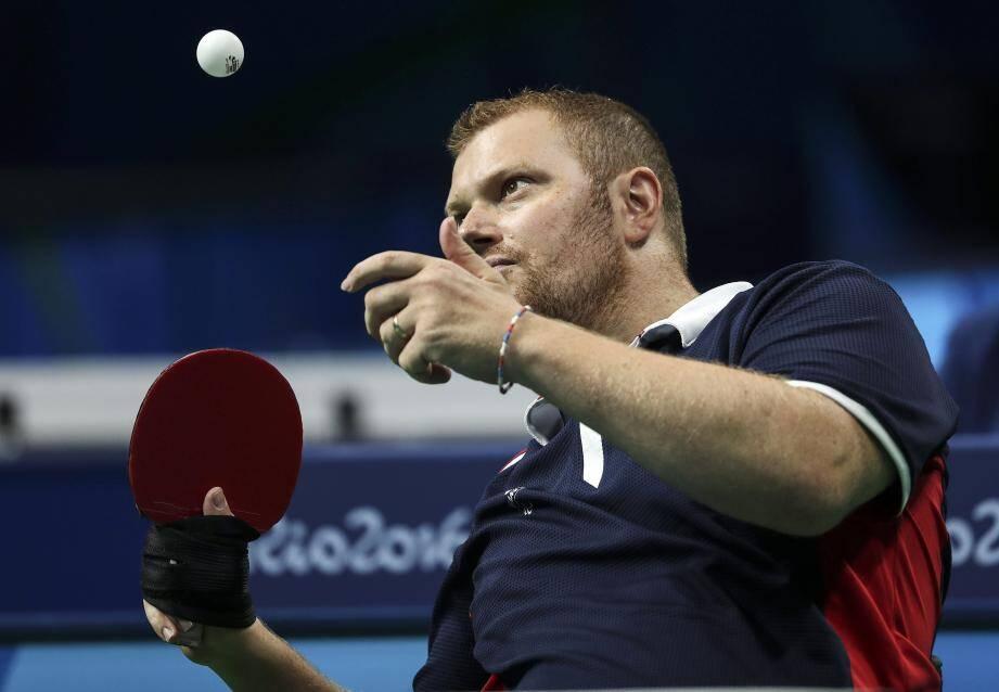 Le pongiste Fabien Lamirault a remporté la médaille d'or en tennis de table classe 2 mardi aux Paralympiques de Rio