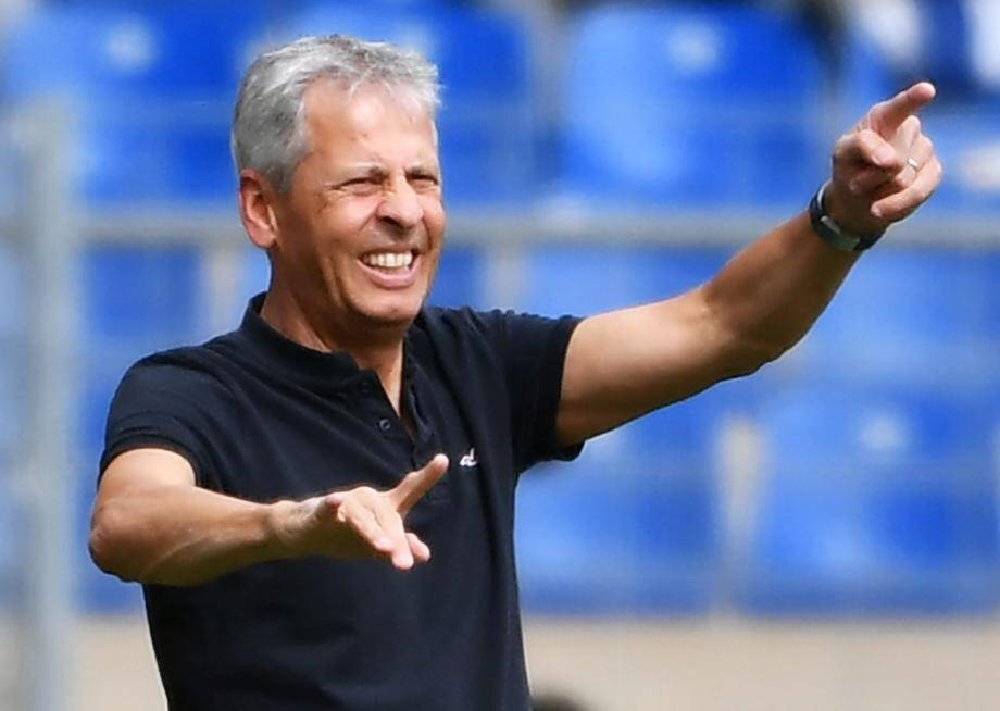 Nice's Swiss head coach Lucien Favre reacts during the French L1 football match between MHSC Montpellier and Nice, on September  18, 2016 at the La Mosson Stadium in Montpellier, southern France.  / AFP PHOTO / PASCAL GUYOT FBL-FRA-LIGUE1-MONTPELLIER-NICE