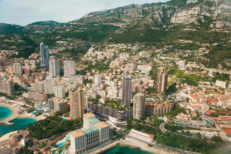 Boulevard d'Italie, la tour abritera 150 appartements domaniaux. En contrebas, sur le boulevard de Larvotto, 45 appartements privés seront livrés.