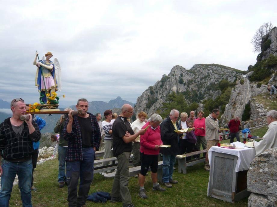 Procession et bénédiction à Rocca-Spavièra.
