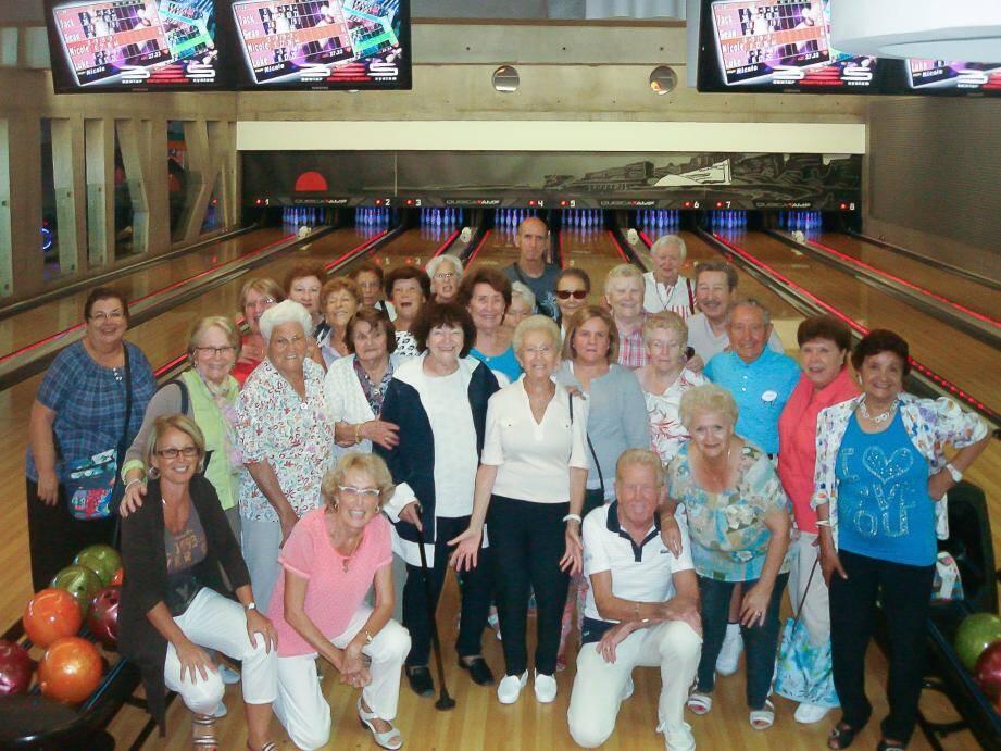 Tous en piste, les amis du club seniors ont vécu un superbe après-midi bowling.