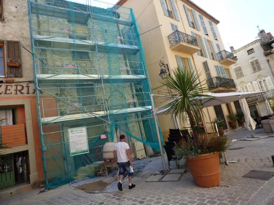 Après la place Antony-Mars (notre photo), 14 façades de la rue Funel peuvent prétendre aux aides majorées.